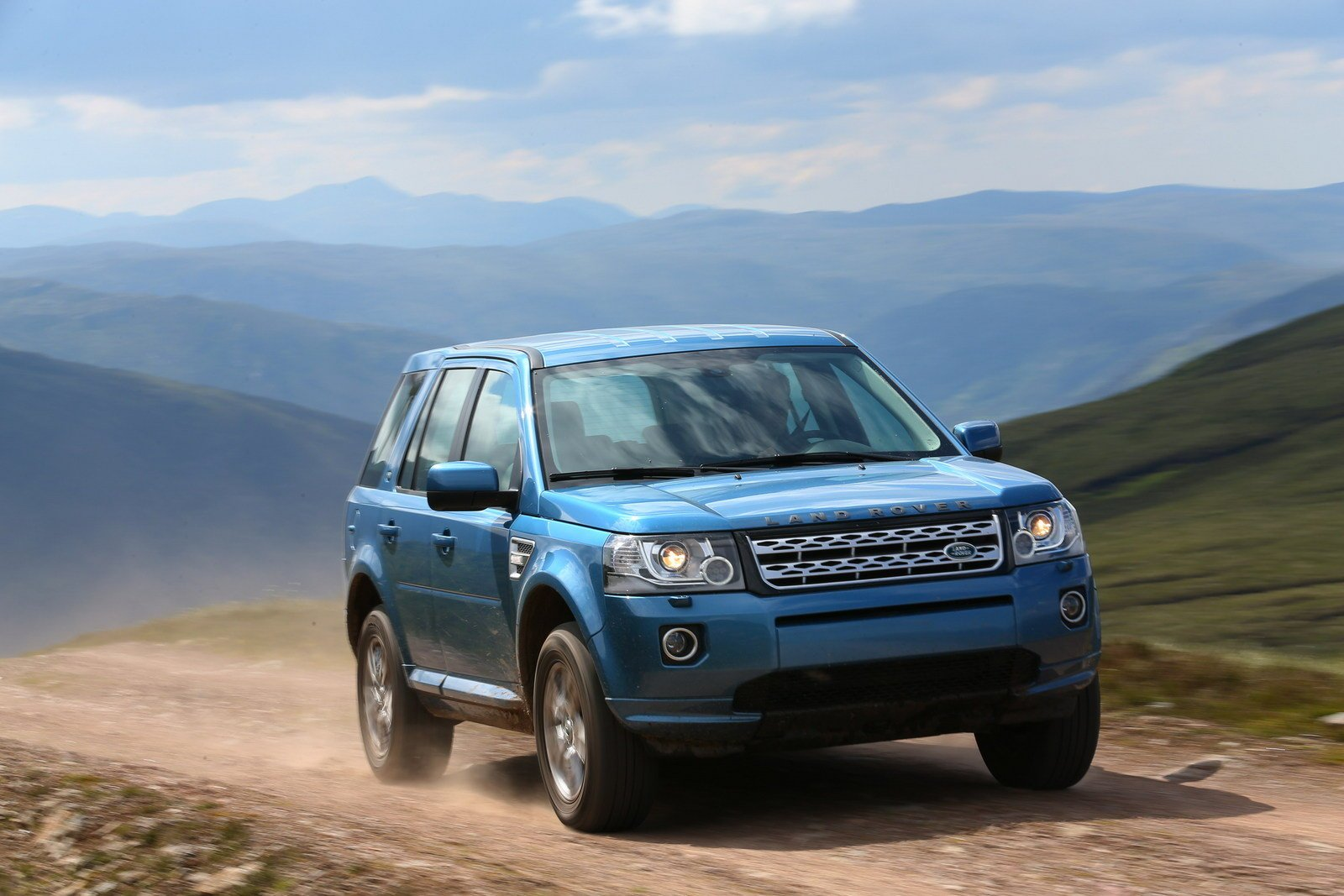 Land-Rover-Freelander-2-2013-Water-in-Fuel-Detection-Reset-by-Launch-X431-1