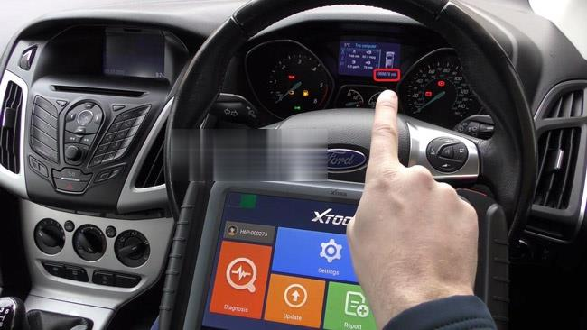 How-to-use-XTOOL-X100-Pad3-to-correct-or-adjust-the-mileage-of-Ford-cars-2 (2)