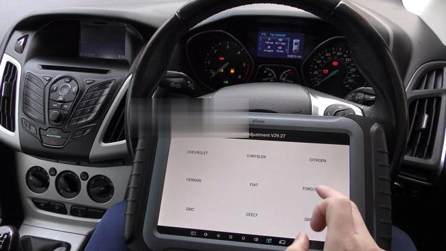 How-to-use-XTOOL-X100-Pad3-to-correct-or-adjust-the-mileage-of-Ford-cars-6 (2)